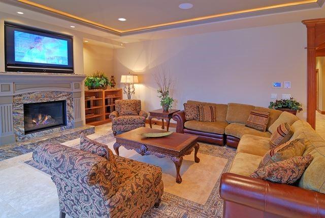 bigstock-Luxurious-Living-Room-1427393
